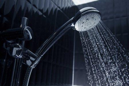 Vòi sen nóng lạnh là thiết bị vệ sinh thường xuyên tiếp xúc với nước ở nhiệt độ cao. Do đó tiềm ẩn nhiều nguy cơ về độ bền và chất lượng sản phẩm.