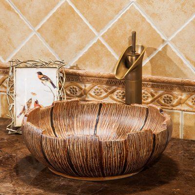 Chậu sứ lvb021 với thiết kế độc đáo mang đậm nét thiết bị vệ sinh tân cổ điển.