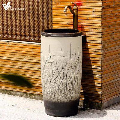 Đôn chậu lavabo sứ nghệ thuật không chỉ sử dụng cho không gian phòng tắm mà còn có thể lắp đặt được cho nhiều không gian khác trong nhà tạo cảm giác sang trọng và đẳng cấp