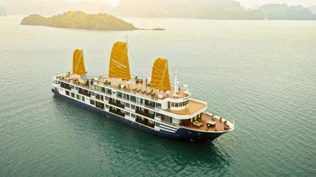 Du thuyền sealife có kết cấu sang trọng đẳng cấp xứng đáng là một khách sạn nổi trên biển