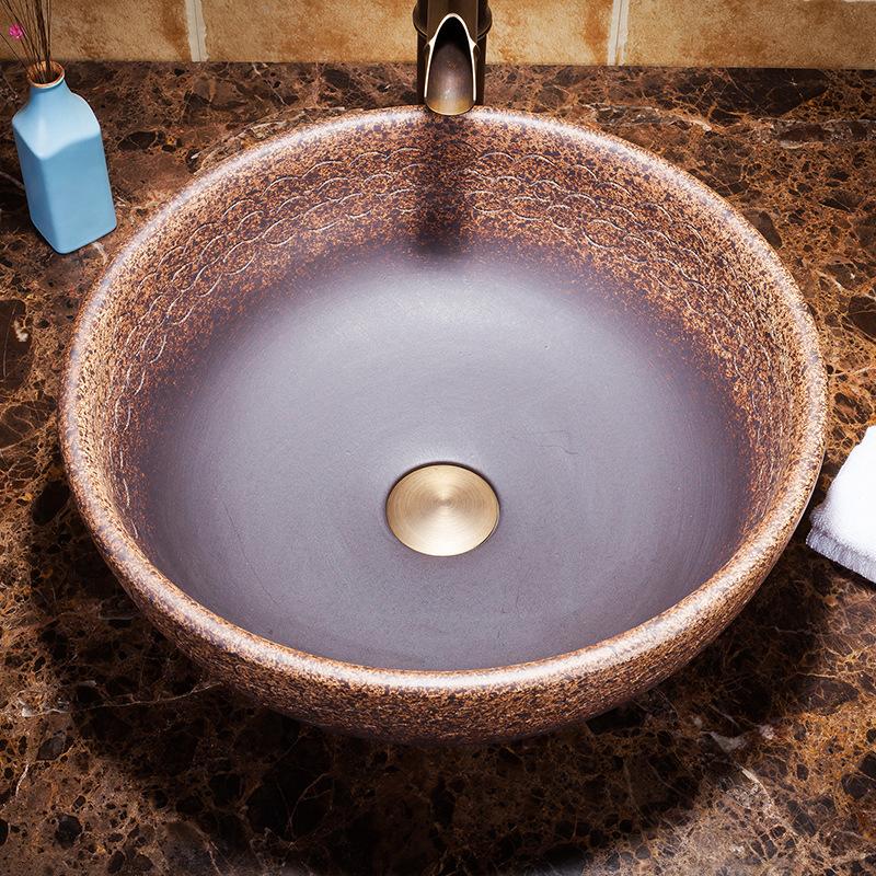Chậu lavabo sứ nghệ thuật được nhiều khách hàng đánh giá có thiết kế bắt mắt, sang trọng và vô cùng đẳng cấp cho không gian phòng tắm