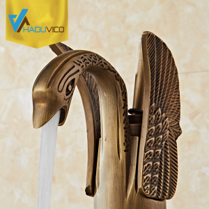 Vòi nước đồng thau sử dụng lâu cũng cần được vệ sinh để nó trở nên sạch và đẹp hơn. Nhát là những vòi chất lượng cao có thê trong như mới dù đã sử dụng nhiều năm