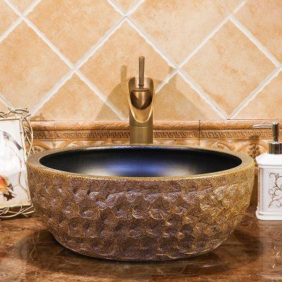 Hiện nay có khá nhiều loại chậu lavabo sứ được cung cấp trên thị trường. Vì vậy khách hàng có nhiều sự lựa chọn hơn nhưng đồng thời cũng gặp khó khăn hơn vì khó kiểm soát được chất lượng của sản phẩm