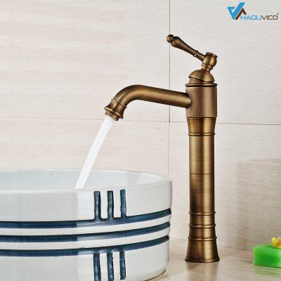 Vòi đồng thau có thiết kế sang trọng ấn tượng cho phòng tắm