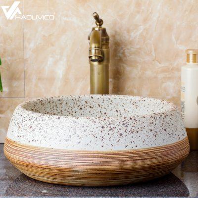 Chậu rửa mặt cho không gian phòng tắm nhỏ hẹp là một vấn đề khiến gia chủ rất đau đầu. Làm sao có thể lựa chọn được thiết bị vệ sinh phù hợp cho không gian phòng tắm này là câu hỏi được nhiều người đặt ra.