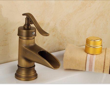 Vòi lavabo đồng thúc có thiết kế độc đáo và khác biệt. Vì vậy khách hàng sẽ có rất nhiều sự lựa chọn để kết hợp giữa các phong cách khác nhau